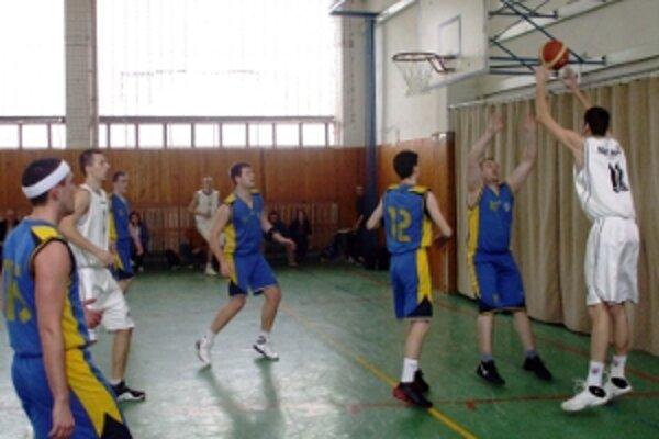Basketbalisti Holíča nestratili na domácej palubovke ani jediný bod.