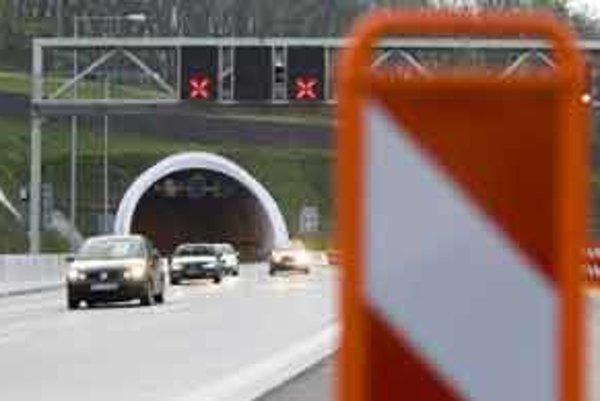 Tunel je naplánovaný aj pod Bielou horou na ceste z Trnavy do Senice.