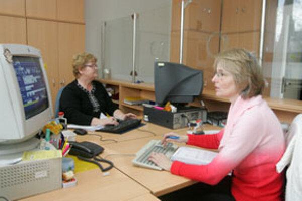 Mestský úrad momentálne na miestach projektových manažérov zamestnáva štyroch pracovníkov, piaty je na materskej dovolenke.