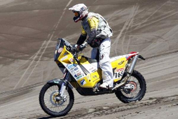 Ivan Jakeš na trati Dakaru.
