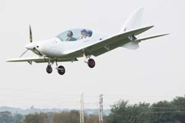 Z lietadla chcú urobiť malú stíhačku.
