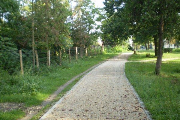 Palárikovský park pri kašieli.