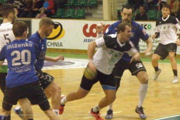 Hádzanári novozámockého Štartu sa rozlúčili so sezónou domácim zápasom proti Hlohovcu.