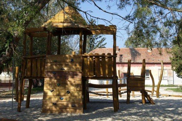 Nové detské ihrisko v Bešeňove.