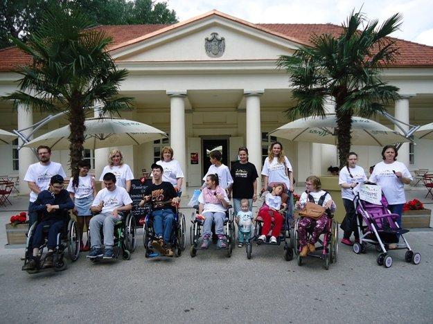 Deti so zdravotným postihnutím mali z výletu na Sihoť veľkú radosť.