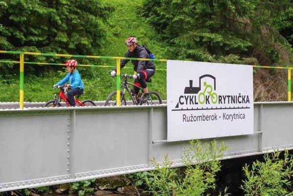 Namiesto úzkokoľajky funguje medzi Ružomberkom a Korytnicou  CykloKorytnička.