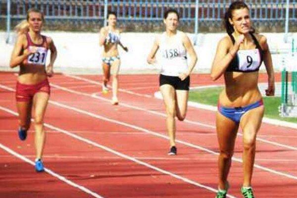 Martina Kecskésová štartovala v tomto roku prvý krát a na štyristometrovej trati dobehla druhá.