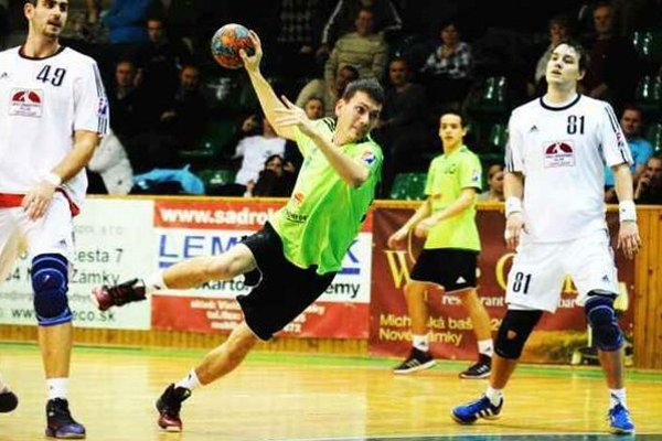 V drese HC Štart dostal po zmene strán príležitosť aj Tomáš Barus, ktorý ju využil na strelenie jedného gólu.