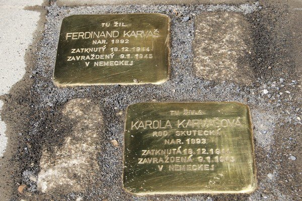 Pamätné kamene Stolpersteine pripomínajú život ľudí, ktorí boli obeťami holokaustu