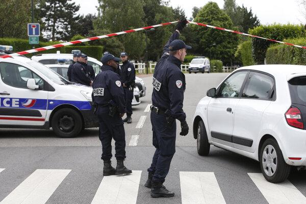 K útoku došlo v Magnanville pri Paríži.