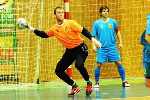 Brankár MFK TW Peter Šeben prispel v piatkovom zápase v Bratislave k víťazstvu svojho tímu gólom.