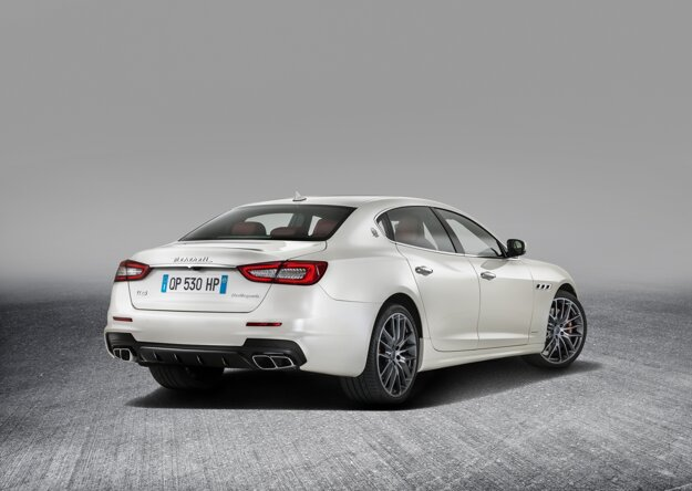 Objednávky na modernizovaný sedan začne automobilka prijímať ešte tento mesiac