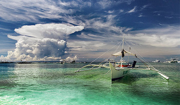 Pláž Alona beach na filipínskom ostrove Panglao.