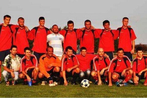 Futbalisti domáceho FK Vlkas - víťazi turnaja RVHP.