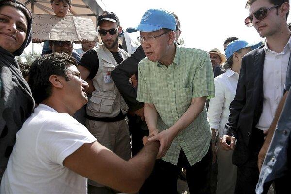 Pan Ki-mun na stretnutí so sýrskymi utečencami. (Ilustračné foto)