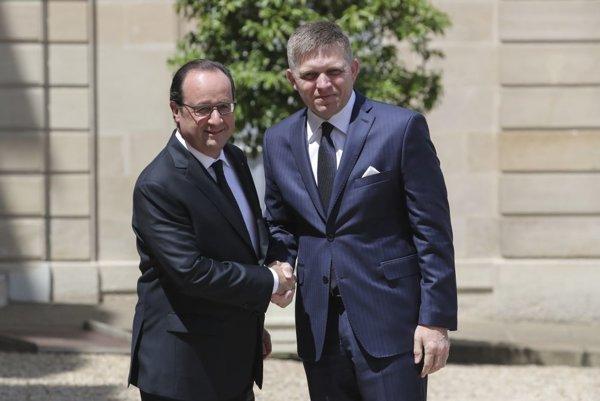 Vľavo Francois Hollande a vpravo Robert Fico.