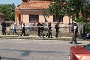 Štátni policajti hliadkovali na mieste aj bezprostredne po incidente.