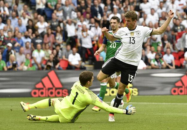 Thomas Müller ešte na šampionáte neskóroval. Brankár Severného Írska Michael McGovern mu chytil niekoľko skvelých príležitostí.