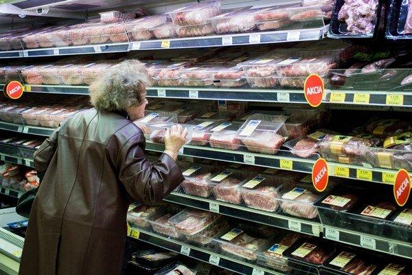 Na čerstvom mäse budú po novom dve cenovky.