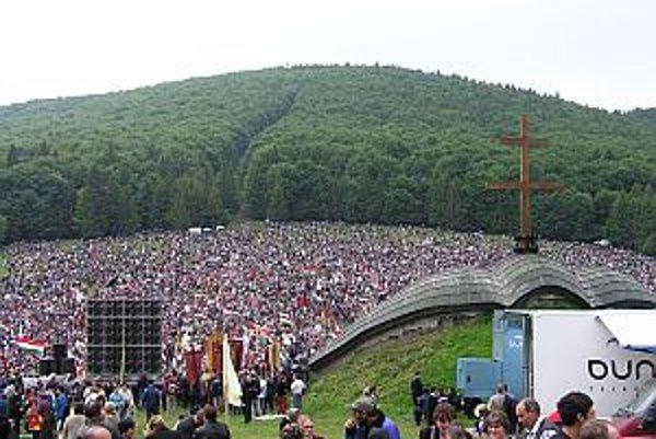 Každý rok v čase Turíc prichádzajú státisíce ľudí zo Sedmohradska, Maďarska i celého sveta do Şumuleu Ciuc. Vďaka púti s dlhoročnou tradíciou sa toto sakrálne miesto postupne stalo pre Maďarov aj národným symbolom.