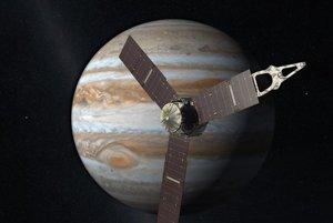 Juno obletí planétu po obežnej dráhe od pólu k pólu.