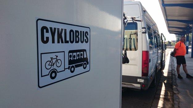 Cyklobus vyráža z Lučenca.