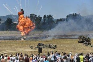 Bojová ukážka – Operation Carussel počas 4. ročníka podujatia Tankové dni Laugarício - Deň s pozemnými silami OS SR, 2. júla 2016 v Trenčianskych Stankovciach.