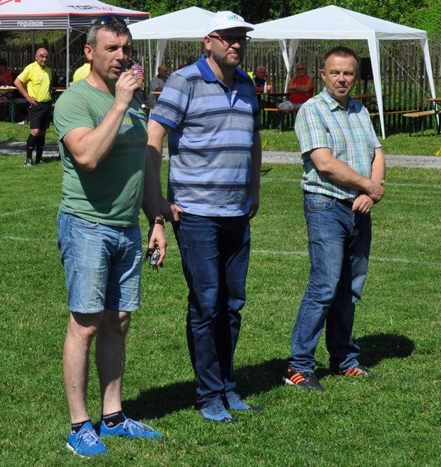 Zľava: poslanec MZ v Čadci Jozef Pajer, predseda SaS Richard Sulík a poslanec NR SR za stranu SaS Milan Laurenčík.