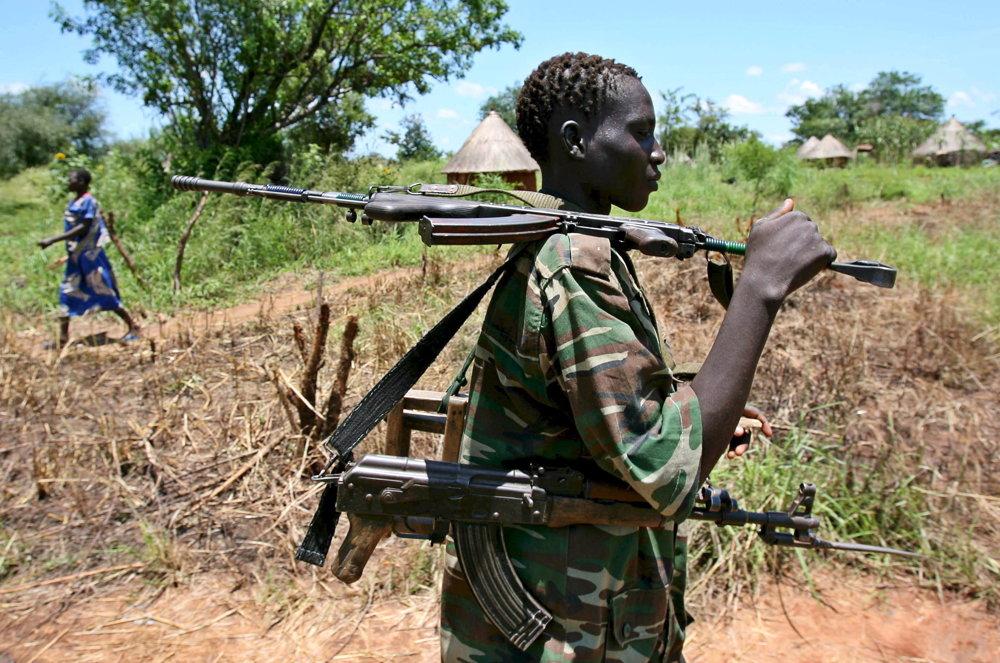 Do boja chodili s mačetami a samopalmi omotanými ružencom a vyvražďovali celé dediny.