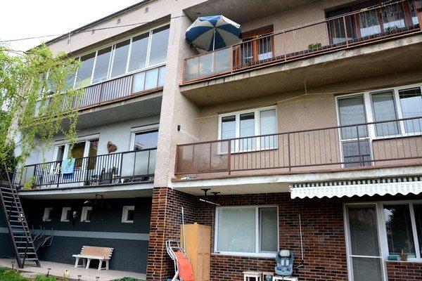 Bytový dom na Mengusovskej. Jeho nájomníci si včera vypočuli rozsudok – 13 eur/m2 do fondu opráv platiť nebudú.