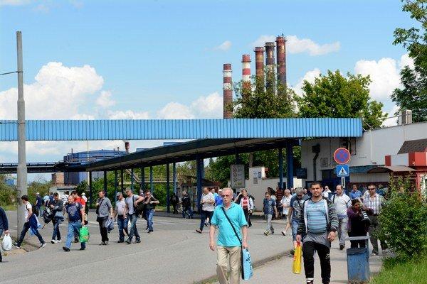 Zamestnanci U.S. Steelu. Z ich pracovitosti majú radosť aj v USA. Tam im nedávno poslali ešte viac, než bol minuloročný zisk.