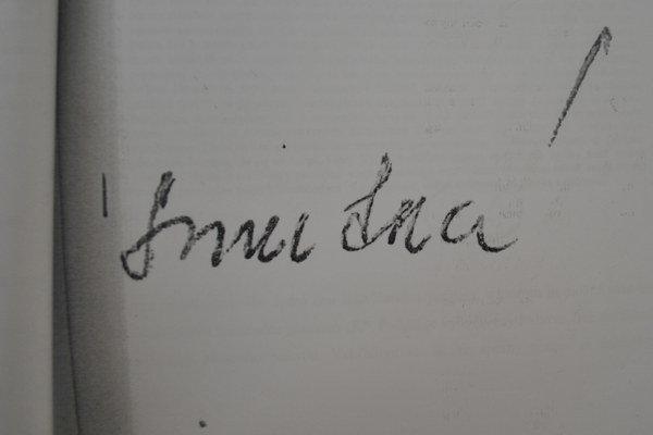 Podpis. Podľa znalca ho napísala obžalovaná.