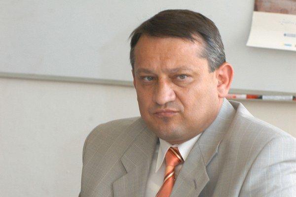 Eduard Adamčík. V Sieti bol až do piatka považovaný za jedného z najbližších ľudí šéfa strany.