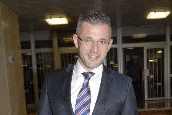 Miroslav Špak. Mestský poslanec Siete sa nechce šprtať v dekonzumačných pochodoch ich strany.