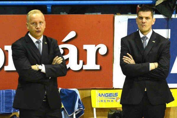 Trénerský tandem sa na chvíľu rozpadne. P. Jankovič (vpravo) verí, že s jeho absenciou sa tím vyrovná.