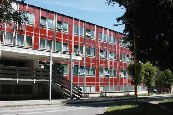 Budova fakulty.