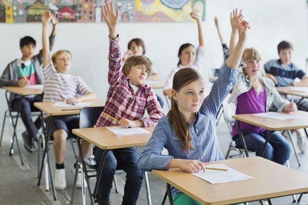 Počet škôl, v ktorých sa už normálne učí, zo dňa na deň pribúda.