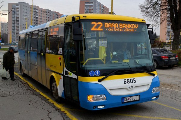 Vozidlá SOR–u už v Košiciach jazdia. V roku 2014 dodal do Košíc 122 autobusov a 5 elektrobusov. Za zákazku vtedy zinkasoval 28,7 milióna eur.