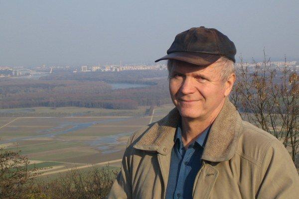 Peter Jurčovič. Náš známy meteorológ sľubuje východniarom vodnaté prázdniny.