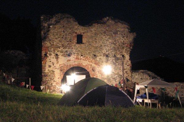 Podporu dostal aj festival Filmová noc na Šarišskom hrade.