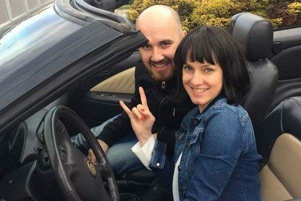 Igor a Monika. V klipe sa objaví len herečka.