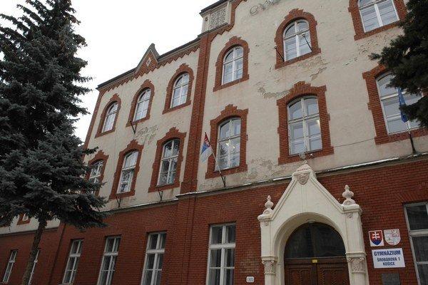 Gymnázium na Šrobárovej ulici.