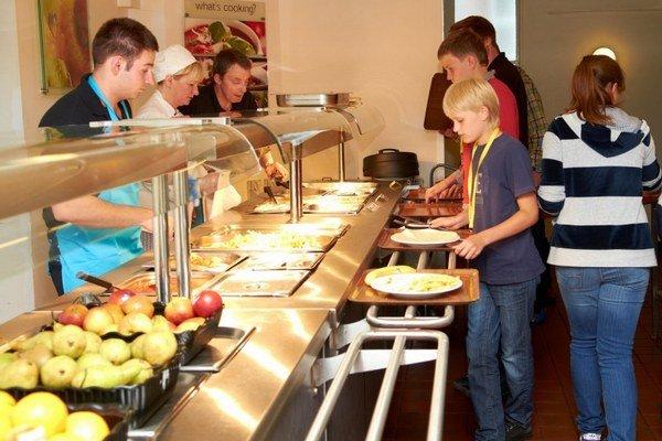 Do školských jedální prenikne viac receptov od žiakov a študentov. Možno im začne viac chutiť.