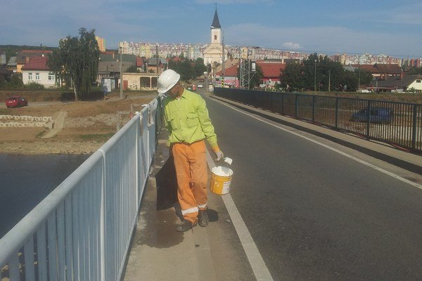 Most do Ťahanoviec. Včera ho uzavreli.