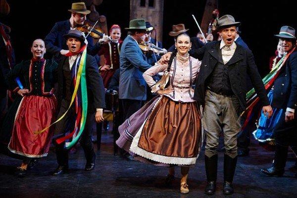 V galaprograme predstaví hosť z Budapešti - tanečné zoskupenie Fitos Dezső Társulát.