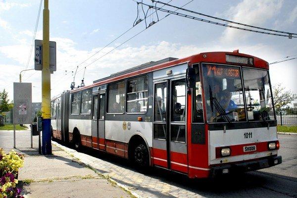 Vrátia sa ešte trolejbusy do ulíc? Na cestách ich nevidno od začiatku rekonštrukcie električkových koľajníc.