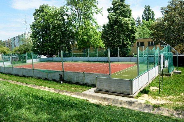 ZŠ Slobody. K malému multifunkčnému ihrisku už onedlho môže pribudnúť aj zrekonštruované futbalové.