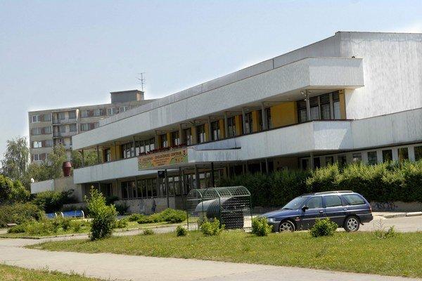 Internáty na Jedlíkovej. Sú najväčšie v Košiciach.