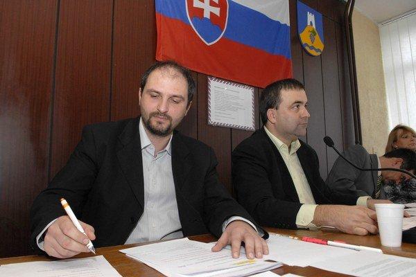 Bývalí kamaráti. J. Polaček (vľavo) a M. Gaj dnes o sebe nič dobré nepovedia.