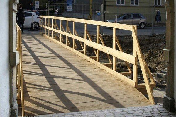 Kuzmányho – padací most. Má byť bezbariérový a bezplatný.
